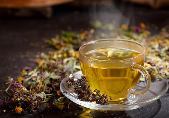 Bitkisel Çaylar Göründüğü Kadar Masum Olmayabilir